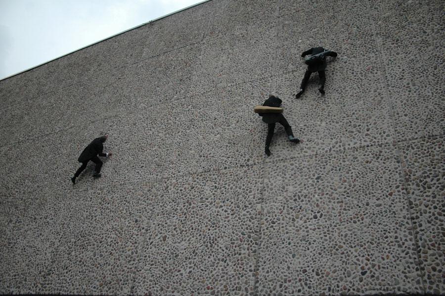 Dumb Burglars: A Brief History